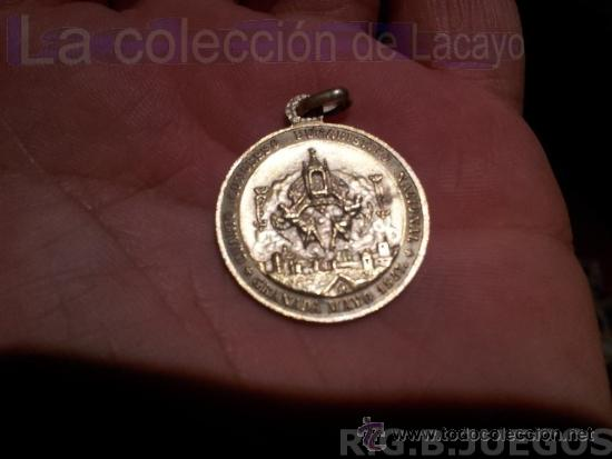 MEDALLA CONMEMORATIVA DEL CUARTO CONGRESO EUCARISTICO NACIONAL - GRANADA MAYO 1957 (Antigüedades - Religiosas - Medallas Antiguas)