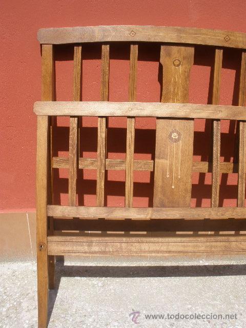 Antigüedades: CAMA MODERNISTA CON FLORECITAS. RESTAURADA. - Foto 2 - 37236981