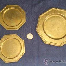 Antigüedades: LOTE 3 PLATOS DE LATÓN HEXAGONALES. Lote 37256079