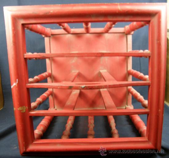 Antiquitäten: revistero canterbury madera torneada roja mediados siglo XX - Foto 2 - 37263837