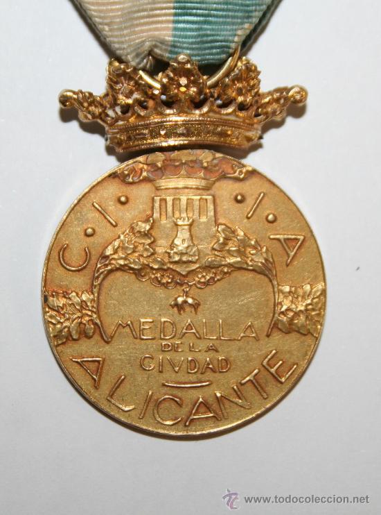 1927 MEDALLA DE ORO Y BRILLANTES CIUDAD DE ALICANTE , GENERAL SUAREZ LLANOS (Antigüedades - Varios)