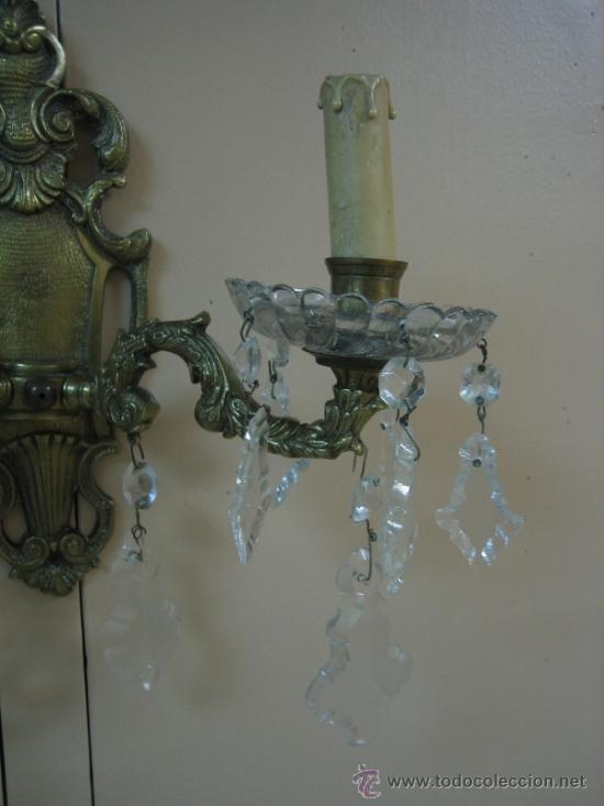 Antigüedades: Pareja de candelabros de bronce antiguos 30x30 cm. Funcionan - Foto 10 - 37388862