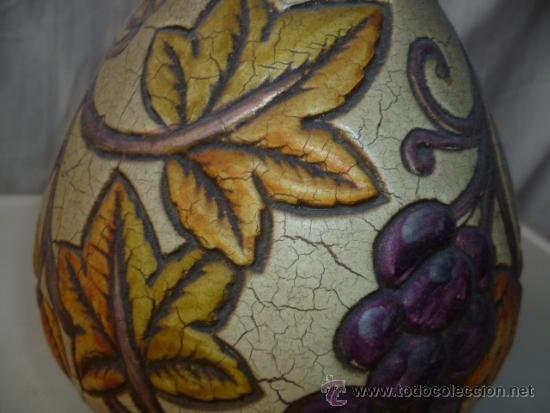 Antigüedades: Precioso viejo florero - jarrón con motivos de uvas. Muy bonito de 26 cm de alto. (ver fotos) - Foto 4 - 37403817