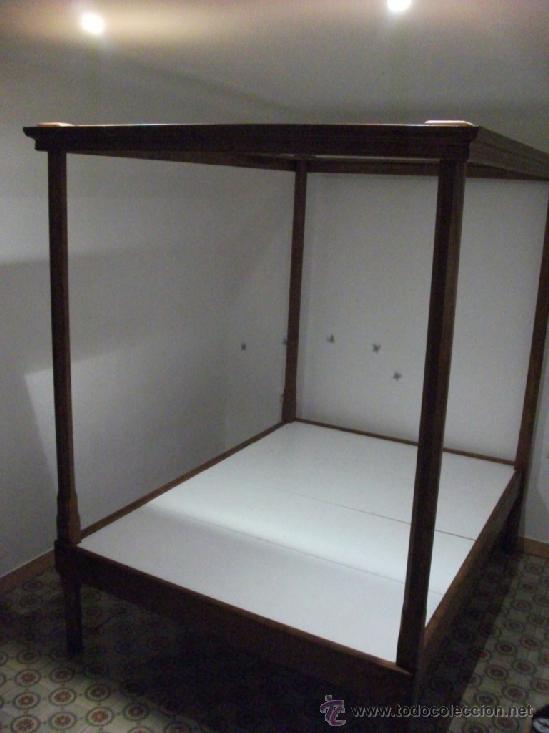 Antigüedades: Cama de dosel en madera maziza desmontable. se dispone de dos unidades, en castaño y pino - Foto 2 - 37456173