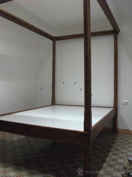 Antigüedades: Cama de dosel en madera maziza desmontable. se dispone de dos unidades, en castaño y pino - Foto 3 - 37456173