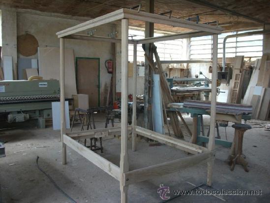 Antigüedades: Cama de dosel en madera maziza desmontable. se dispone de dos unidades, en castaño y pino - Foto 4 - 37456173