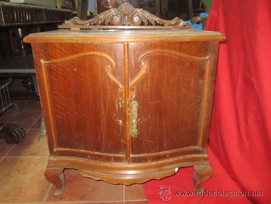 Mesilla de madera chapada a os 60 con copete comprar - Comprar muebles para restaurar ...