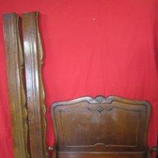 Antigüedades: CAMA EN MADERA DE NOGAL ESTILO ISABELINO CON ADORNO DE CONCHAS.. Lote 37637433