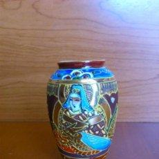 Antigüedades: ANTIGUO JARRON SATSUMA JAPAN DE PORCELANA FINA DE CAOLIN, PINTADO Y SELLADO A MANO ( SAMURAI ). Lote 37511447