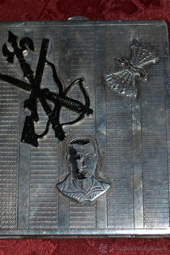 Antigüedades: INTERESANTE PITILLERA DE PLATA CONTRASTADA CON INSIGNIA DE LA FALANGE,PRIMO DE RIVERA E INSIGNIA - Foto 12 - 37509290