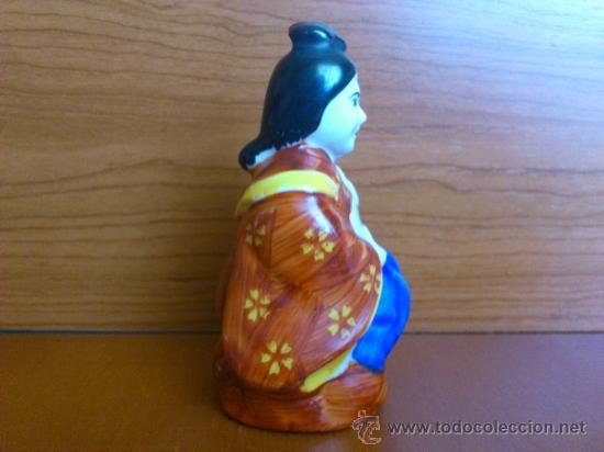 Antigüedades: Figura oriental de porcelana fina pintada a mano - Foto 2 - 37592781