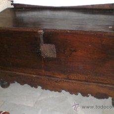 Antigüedades: PRECIOSO ARCON DE NOGAL DEL S.XVII, GRAN TAMAÑO 130 CM. Lote 37565331