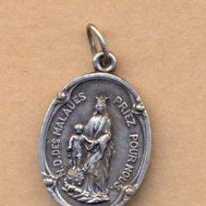 Antigüedades: MON 745 MEDALLA EN PLATA N. D. DES MALADES RUEGA POR NOSOTROS 20 X 12 MM 3 GRAMOS. Lote 37616796
