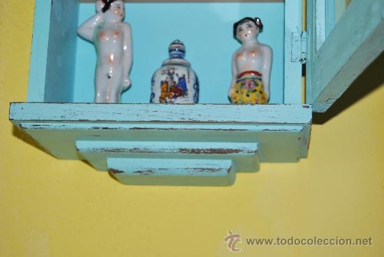 Antigüedades: PEQUEÑA VITRINA DE MADERA - ANTIGUA CAJA DE RELOJ - Foto 9 - 61717836