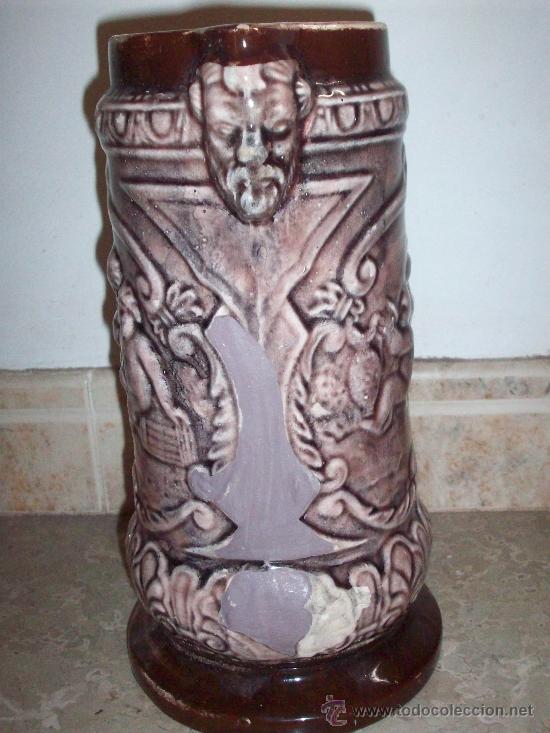 Antigüedades: JARRA MODERNISTA EN RELIEVE CON ESCENAS DE BACO DE MANISES - Foto 2 - 37635553