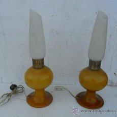 Antigüedades: PAREJA DE LAMPARAS DE CRISTAL OPALINA. Lote 37652193