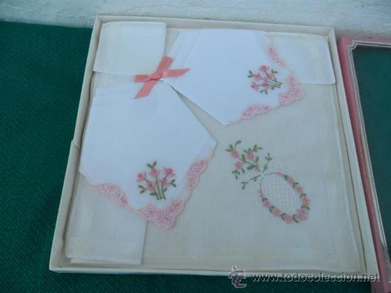 Antigüedades: 3 pequeños pañuelos bordados - Foto 2 - 37667598
