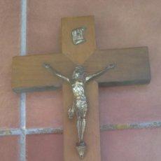 Antigüedades: ANTIGUO CRUCIFIJO-CRUZ MADERA,CRISTO METAL .(40X24CM) . Lote 37697045