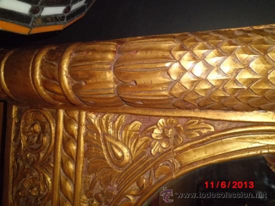Antigüedades: ESPEJO CON MARCO DE MADERA TALLADO A MANO Y DORADO EN PAN EN ORO - Foto 2 - 37691608