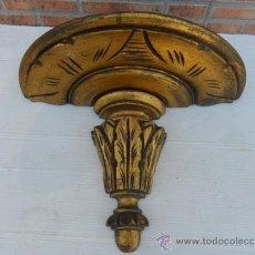 Antigüedades: MENSULA DE MADERA DORADA. Lote 37689435