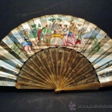 Antigüedades: BONITO ABANICO CON VARILLA DE ASTA Y PAÍS CON ESCENA LITOGRAFIADA. Lote 37722166
