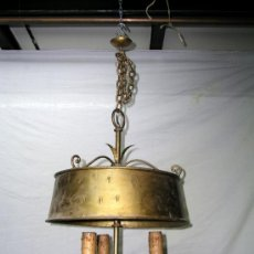 Antigüedades: LAMPARA METÁLICA DORADA. Lote 37766527