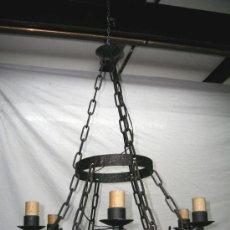 Antigüedades: LAMPARA MEDIEVAL DE HIERRO FORJADO.. Lote 37781775