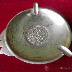 Antigüedades: CENICERO DE METAL CON SELLO DE MONEDA MEDIEVAL DE CASTILLA Y LEÓN. Lote 37798459