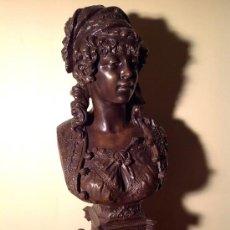 Antigüedades - Busto De Odalisca En Bronce Medidas 70X33X29 Firmada - 37800334