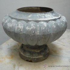 Antigüedades: JARRON DE HIERRO COLADO. SIGLO XIX.. Lote 37821600