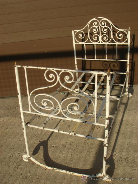 Antigua y preciosa cuna de hierro forjado sig comprar - Camas antiguas de hierro ...