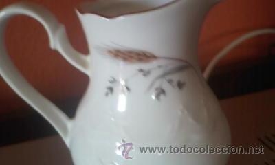 Antigüedades: Bonita y fina lechera de porcelana LEUCHTENBURG - Foto 2 - 37841175