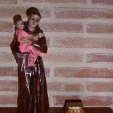 Antigüedades: SAN ANTONIO DE PADUA DE ESTUCO CON PEANA O ALTAR DE PARED PARA COLGAR PRECIOSA,CREO QUE ES DE OLOT!!. Lote 37854876