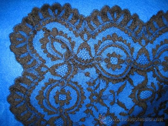 Antigüedades: MANTILLA RECTANGULAR DE PUNTA EN NEGRO. 200 X 80 CM - Foto 2 - 37873137