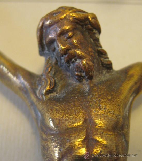 Antigüedades: ANTIGUO CRISTO DE BRONCE DORADO. 9,5 X 8,8 CM. ALT MÁXIMA HASTA LAS MANOS 10 CM - Foto 2 - 37888138