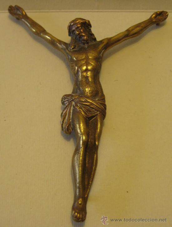 ANTIGUO CRISTO DE BRONCE DORADO. 9,5 X 8,8 CM. ALT MÁXIMA HASTA LAS MANOS 10 CM (Antigüedades - Religiosas - Crucifijos Antiguos)
