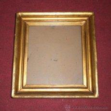 Antigüedades: BONITO MARCO DORADO ANTIGUO, S.XIX, MADERA, ESTUCO Y PAN DE ORO. Lote 37919135