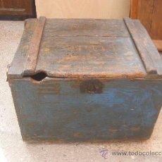 Antigüedades: BAÚL DEL EJERCITO. CON PINTURA AZUL. Lote 37931627