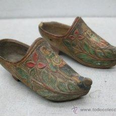 Antigüedades: PAR DE ZANCOS PARA DECORAR. Lote 55043448