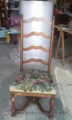 PRECIOSA SILLA DE MADERA MACIZA CON TAPIZADO REALIZADO EN PUNTO DE CRUZ. (Antigüedades - Muebles Antiguos - Sillas Antiguas)