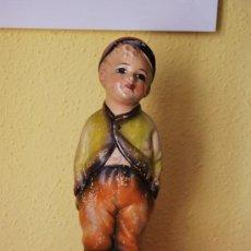 Antigüedades: ANTIGUA FIGURA DE TERRACOTA - NIÑO FUMANDO - HOLANDA - AÑOS 20-30 - PIPO FUMADOR. Lote 38048953