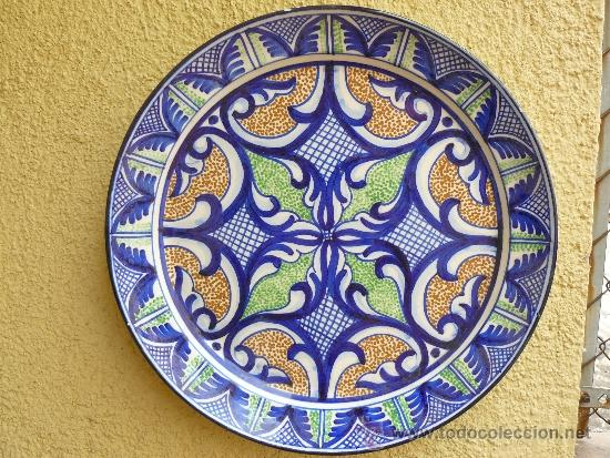 GRAN PLATO DE MANISES - FDO PASCUAL ZORRILLA (Antigüedades - Porcelanas y Cerámicas - Manises)