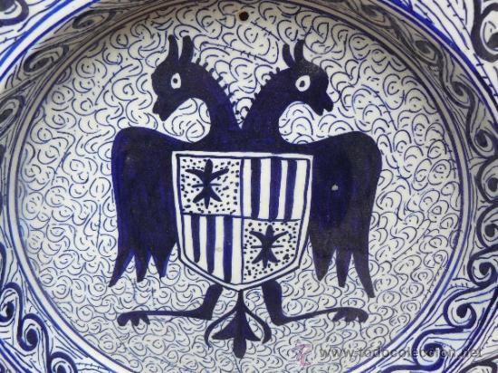 Antigüedades: Bonito plato con aguila bicefala y escudo heraldico pintado a mano 1er tercio s XX - Foto 2 - 38051909