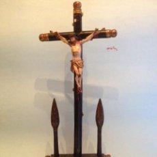 Antigüedades: JESUCRISTO EN LA CRUZ, TALLA MADERA, ESTILO ISABELINO, SIGLO XIX. Lote 38081891