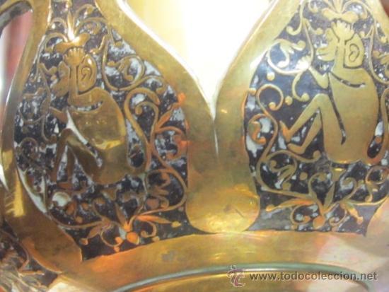 Antigüedades: Antigua lámpara de sobremesa en bronce calado con incrustaciones en plata. Excelente trabajo - Foto 8 - 38041533