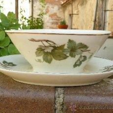 Antigüedades: PRECIOSA SALSERA DE PORCELANA ALEMANA. Lote 38122874
