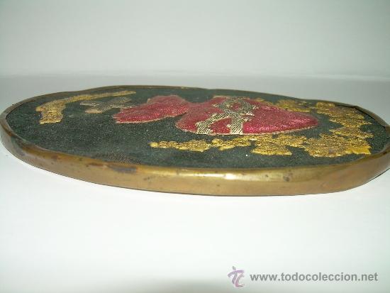Antiquitäten: ANTIGUO Y BONITO ESCAPULARIO BORDADO EN RELIEVE CON HILO DE ORO...SIGLO XIX. - Foto 3 - 38170908