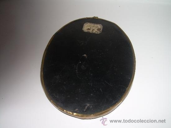 Antiquitäten: ANTIGUO Y BONITO ESCAPULARIO BORDADO EN RELIEVE CON HILO DE ORO...SIGLO XIX. - Foto 4 - 38170908