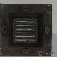 Antigüedades: ANTIGUO HORNILLO DE FUNDICIÓN PARA ENCASTRAR. Lote 38178252