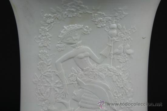 Antigüedades: JARRON EN PORCELANA ALEMANA CON MARCAS EN LA BASE MOTIVO DE EPOCA. PRINC S XX. - Foto 3 - 38220717